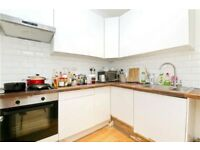 amazing 3/4 bedroom property on the lovely Parkway in Camden only £795 P/W