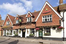 Full time front of house crew required for busy Hampshire dining pub