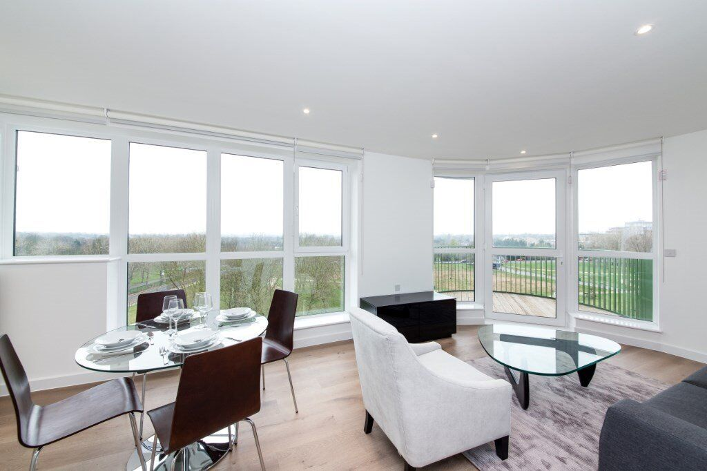 # Beautiful 2 bed 2 bath available now in Kidbrook village - call now!!