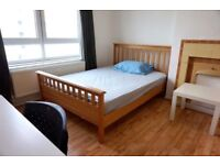 Spacious Double room available. 2 weeks deposit Only. Couples welcome!!