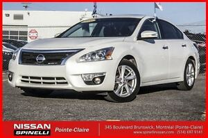 2014 Nissan Altima 2.5 SL TECH LOW MILEAGE!!!