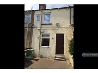 3 bedroom house in Aberford Road, Wakefield, WF3 (3 bed)
