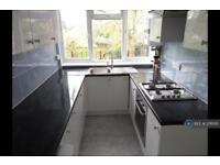 2 bedroom flat in Bell Lane, Blackwater, Camberley, GU17 (2 bed)