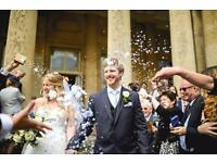 Relaxed, fun & natural Cotswolds based Wedding photographer!
