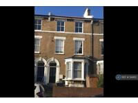 2 bedroom flat in Endwell Road, London, SE4 (2 bed)
