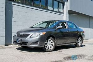 2009 Toyota Corolla CE! Only 52000km!! Financing Available!!