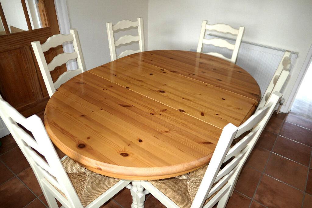 John Lewis Round Extending Pine Breakfast Dinner Table 6