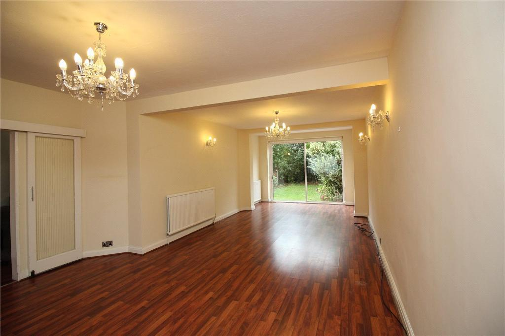 3 bedroom house in Park View Gardens, Hendon, NW4