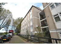 CALLING ALL STUDENTS 3 LARGE DOUBLE BEDROOMS 2 BATHROOMS NEXT TO ISLAND GARDENS DLR STATION E14