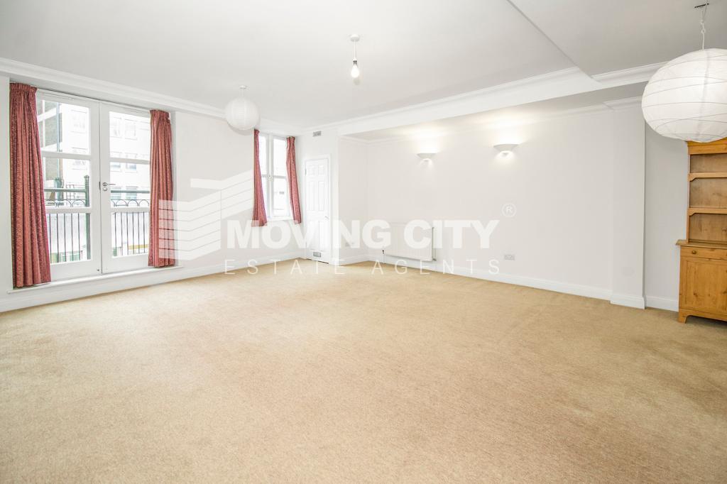 2 bedroom flat in Central Square, St. Mark Street, Aldgate