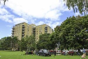 Simcoe - 91 King Street East - Downtown Waterfront - 2Bdrm