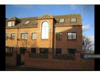 2 bedroom flat in Albert Road, Leeds, LS27 (2 bed)