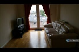 2 bedroom flat in Millennium Drive, London, E14 (2 bed) (#1177027)