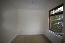2 bedroom house in All Saints Road, Northfleet, Gravesend, DA11 (2 bed)