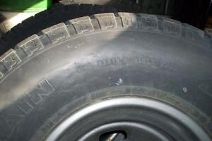 WE SELL GOOD  USE TIRE & NEW TIRE   MAJOR AND MINOR AUTO REPAIRS Windsor Region Ontario image 4