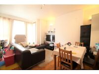 !!LOVELY 2 BED FLAT WITH A GARDEN IN STOKE NEWINGTON WITH GREAT SHOPPING AND TRANSPORT FACILITIES!!