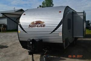 Sun Lite | Buy Travel Trailers & Campers Locally in Canada