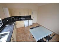 3 bedroom house in City Road, Roath, Cardiff