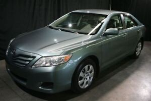 2010 Toyota Camry LE **SEULEMENT 75 245KM*