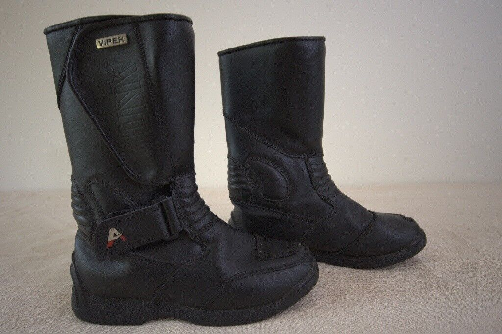 Akito Viper Women's leather motorcycle Boots size 5 (39)