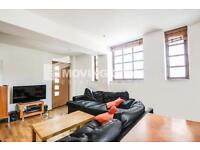 3 bedroom flat in Kingsley Mews, Wapping