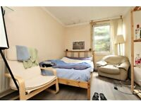 SPACIOUS DOUBLE ROOM IN VICTORIA PARK (NO DEPOSIT) - C 67 Hitchin Square