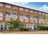 Great Value 4 Bedroom Property on Cooks Road Minutes Away From Kennington Station!!