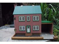 Vintage retro dolls house