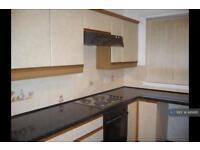 3 bedroom flat in Craignure Road, Rutherglen, Glasgow, G73 (3 bed)