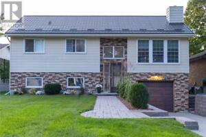 35 ORCHARD STREET Grand Bend, Ontario