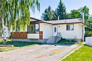 1221 Murdoch ST Crossfield, Alberta