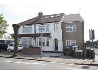 5 bedroom house in Woodville Gardens, Golders Green, NW11