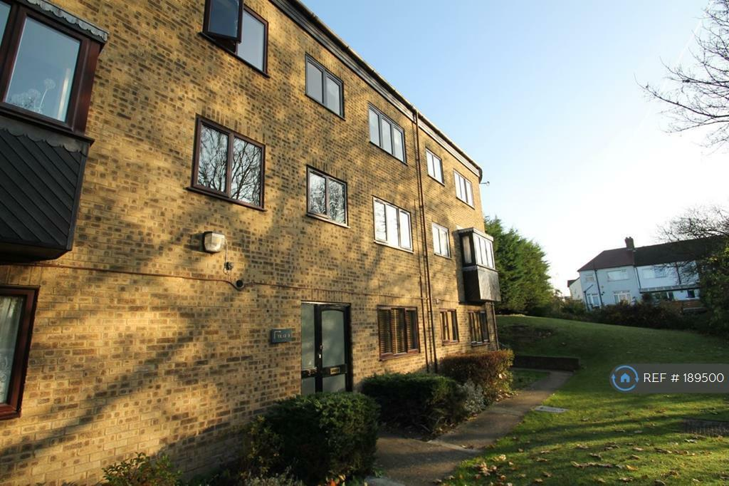 1 bedroom flat in Eastern Ave, Ilford, IG2 (1 bed)