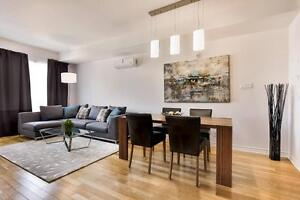 Central/ Luxurious Downtown Condo