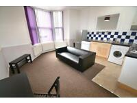 1 bedroom flat in Gordon Road, Roath, Cardiff
