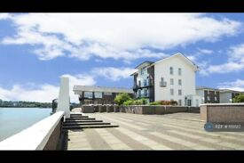 3 bedroom flat in Compass Point, London, E14 (3 bed) (#1151517)