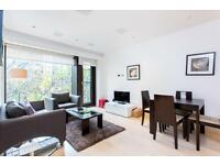 1 bedroom flat in Roman House, Wood Street, St Pauls EC2Y