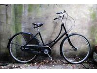 PASHLEY PRINCESS. 17.5 inch, 44 cm. Ladies women's loop frame dutch style traditional road bike