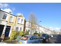 Recently refurbished Period Garden Flat Located Peckham Rye park and transport links!