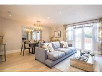 3 bedroom flat in Totteridge Lane, London, N20