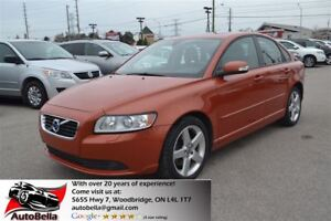 2011 Volvo S40 T5 Level 2 Leather Sunroof Clean Carproof