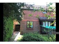 1 bedroom house in Horton Road, Datchet, Slough, SL3 (1 bed)