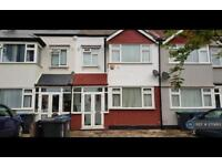 3 bedroom house in Cavendish Road, New Malden, KT3 (3 bed)