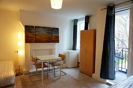 XXL Twin - double bedroom ready now. Canning town. Must see!!