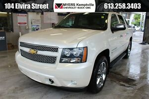 2011 Chevrolet Avalanche 1500 LTZ Navigation / Sunroof / Heated
