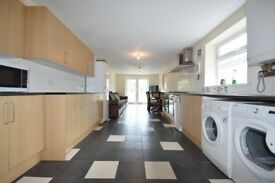 £320!! TERRIFIC 9 BEDROOM STUDENT HOUSE SHARE ON MISKIN STREET