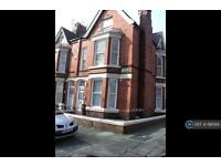 Studio flat in Elm Vale, Liverpool, L6