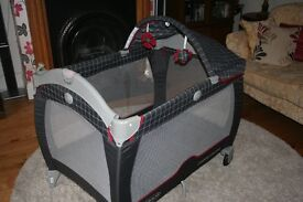 Graco Contour Electra Travel Cot with Extra's