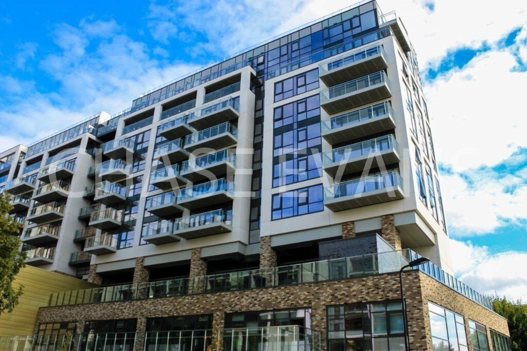BRAND NEW DESIGNER FURNISHED 3 BED 2 BATHROOM APARTMENT WITH BALCONY - THE VIBE DALSTON JUNCTION E8