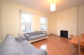 2 bedroom flat in Nightingale Road, Bounds Green, London, N22